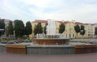 Панорама городского фонтана.